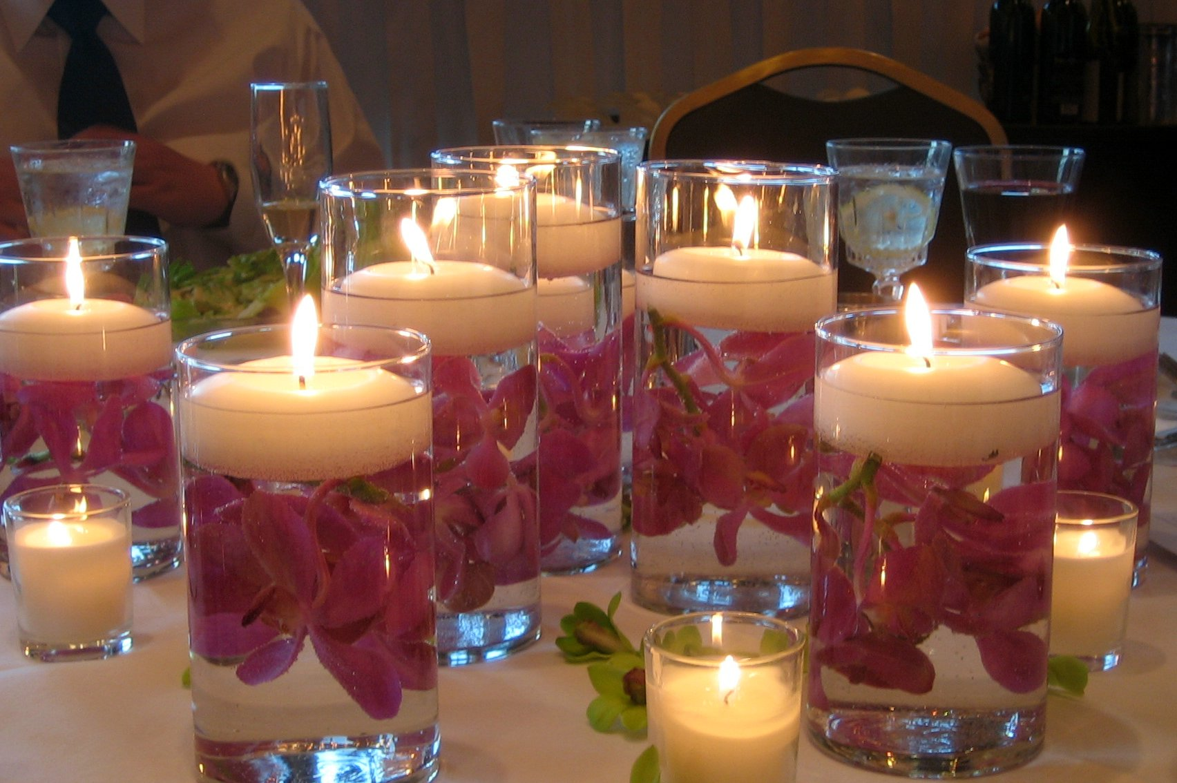 How To Decorate Wedding Reception Tables